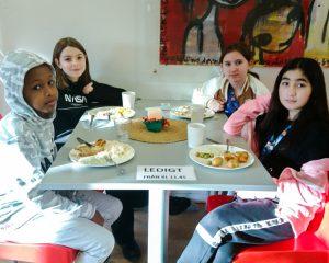 Traditioner och barn på Skarpatorpsskolan